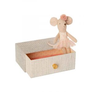 Little Sister Dancing Mouse with Day Bed
